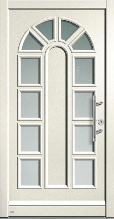 входная белая дверь для коттеджа